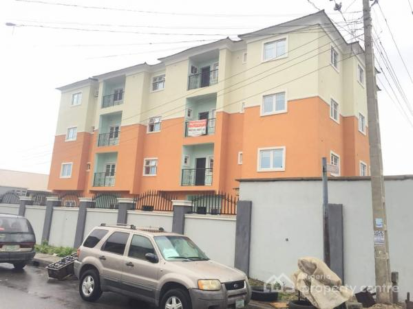 8 NOS OF 3 BEDROOM FLAT FLAT FOR SALE IN YABA.