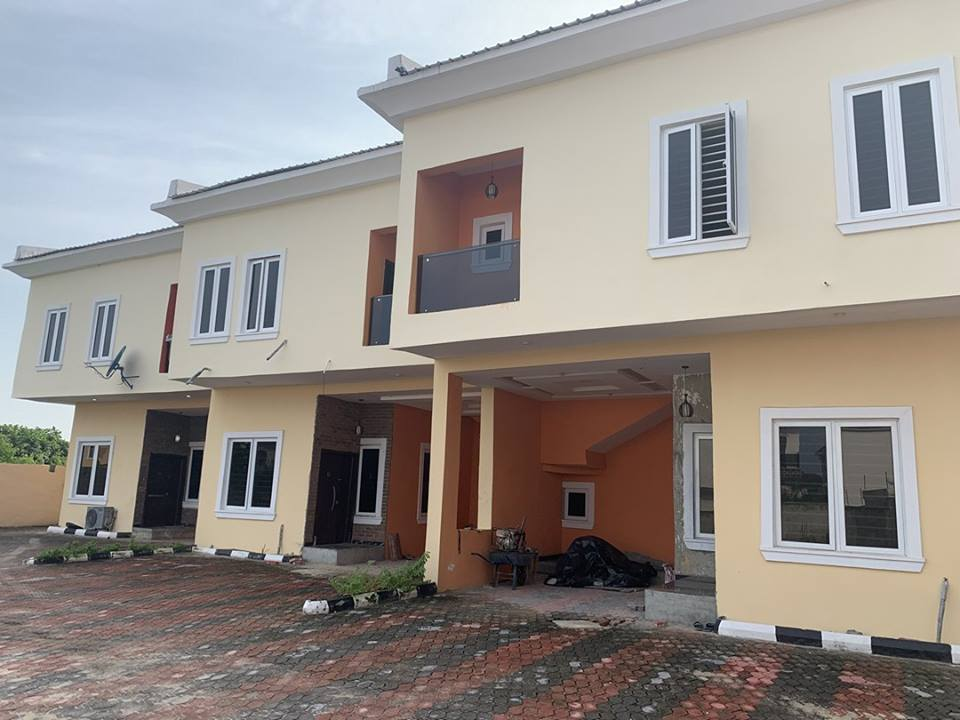 3 BEDROOM TERREACE WITH BQ FOR SALE IN LEKKI