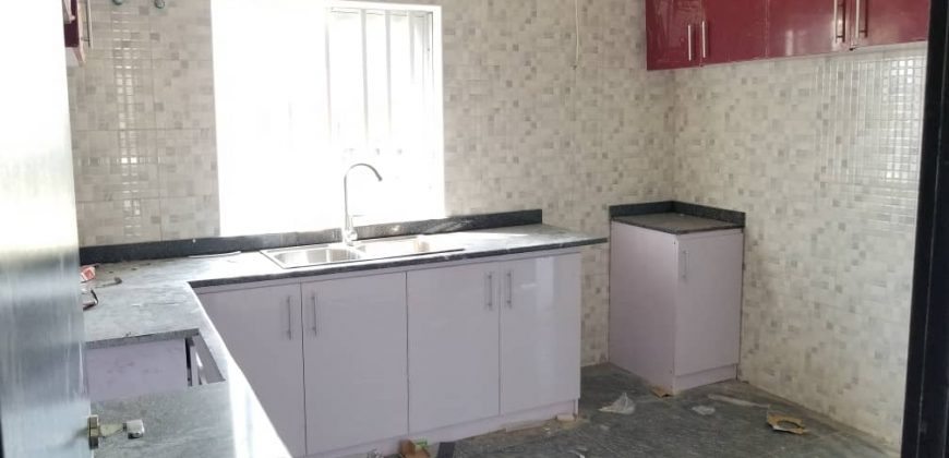 Beautifully built 3bedroom flat for sale in lekki phase1