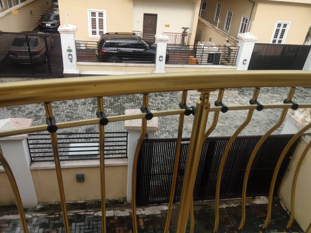 3 bedroom Clean duplex for sale in idado,lekki Lagos.