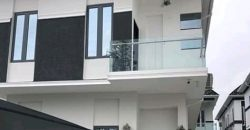 5bedroom Detached Duplex with BQ for sale in Lekki.