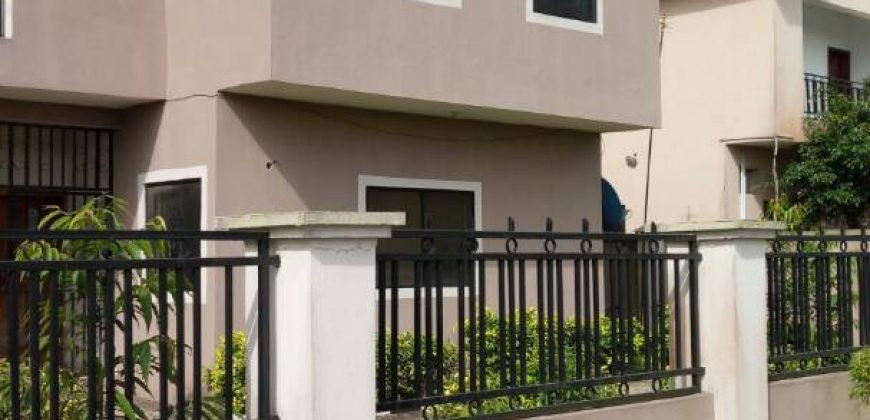 Distress Sale:A four Bedroom Detached Duplex in crown Estate Lekki.