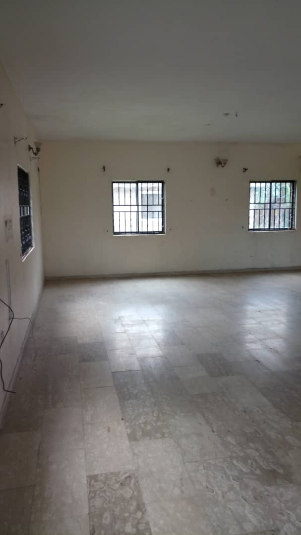 TO LET:GROUND FLOOR SPACE IN LEKKI PHASE 1.