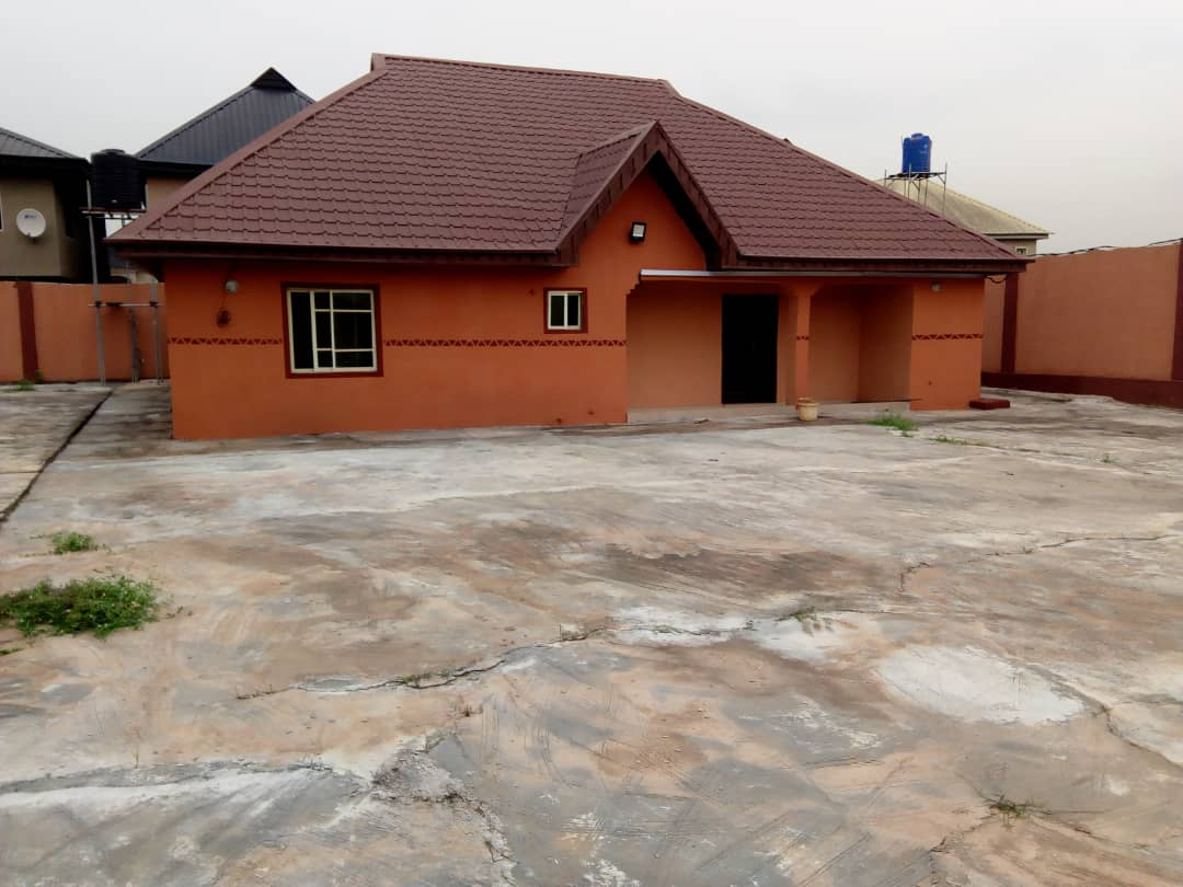 3bedroom bungalow for sale in Ajah,lagos.