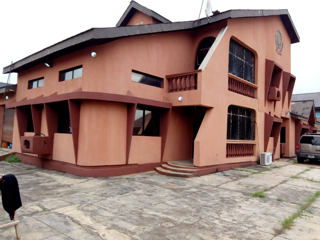 3bedroom bungalow for sale in Ejigbo Lagos.