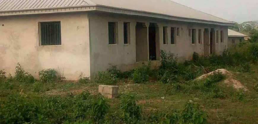 4NUMBERS OF 2BEDROOM BUNGALOW FOR SALE IFO .