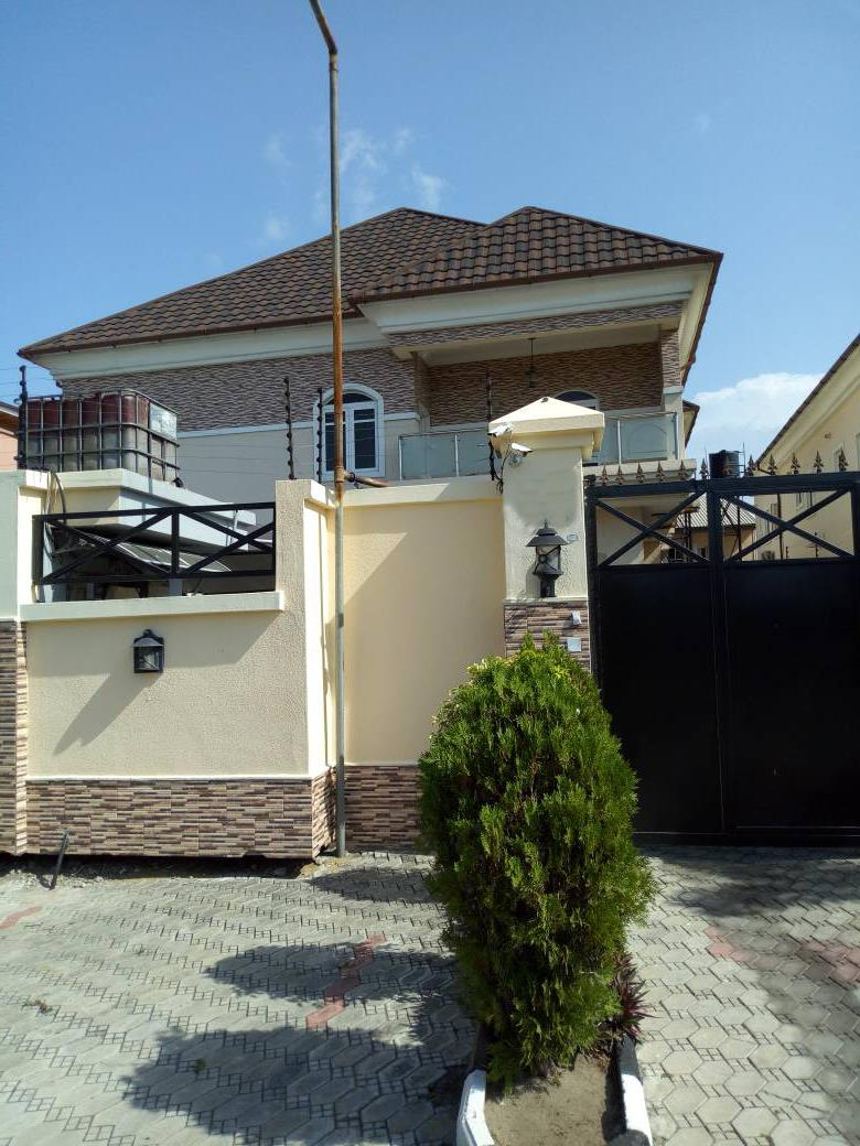 3 Bedroom House (duplex) for sale at Ologolo Lekki,Lagos.