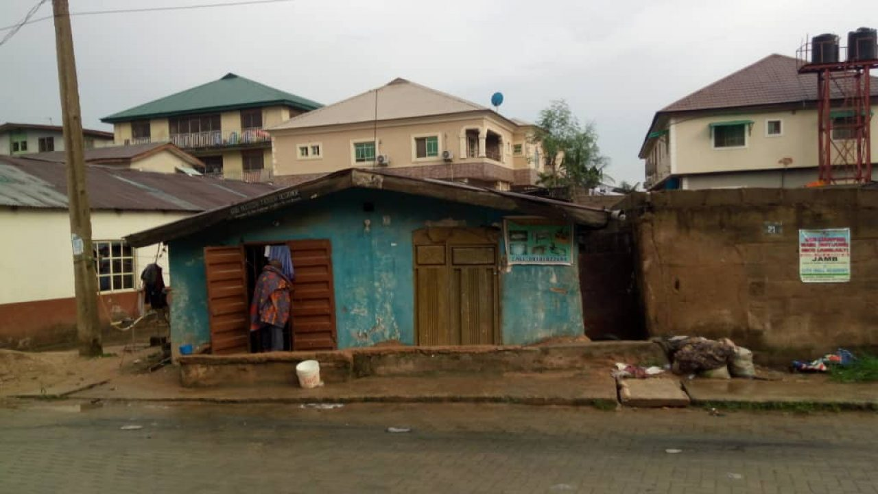 HOUSE FOR SALE IN IFAKO BUS STOP