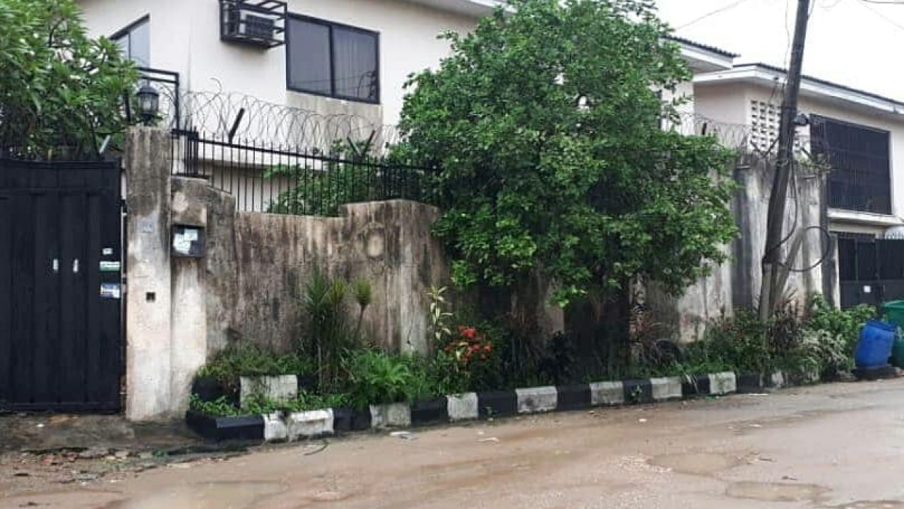 5BEDROOM HOUSE(DETACHED)FOR SALE IN GBAGADA,LAGOS.