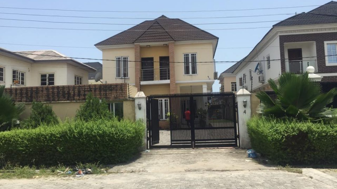 4BEDROOM DUPLEX FOR SALE IN AGUNGU LEKKI,LAGOS