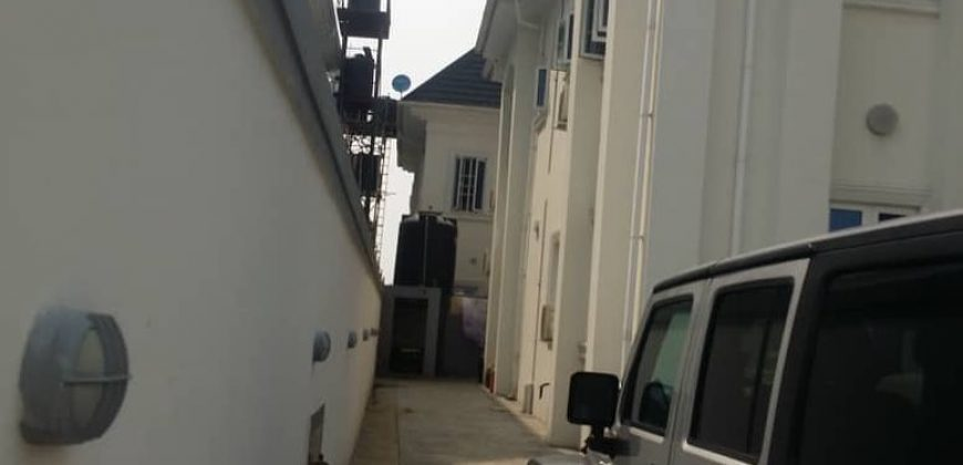 HOT HOUSE FOR SALE IN AMUWO ODOFIN,LAGOS