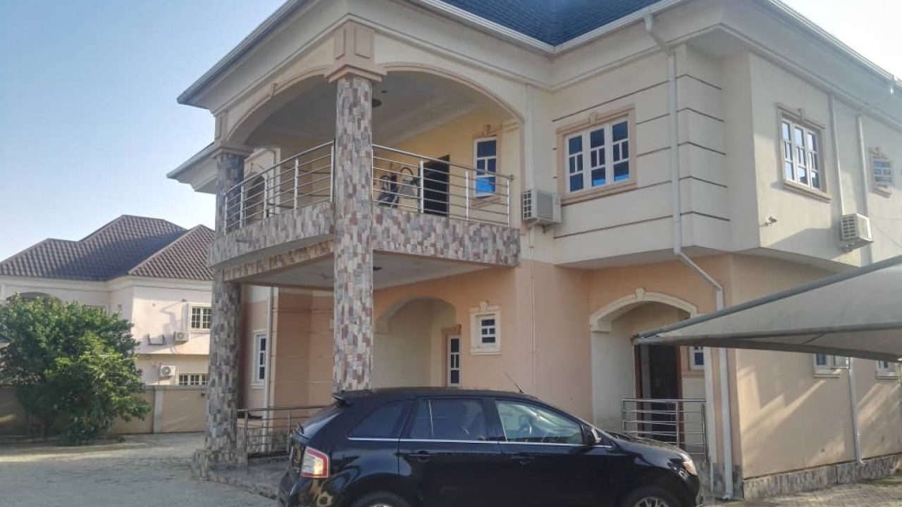 6 BEDROOM DETACHED DUPLEX FOR SALE IN NOVA ESTATE APO,ABUJA