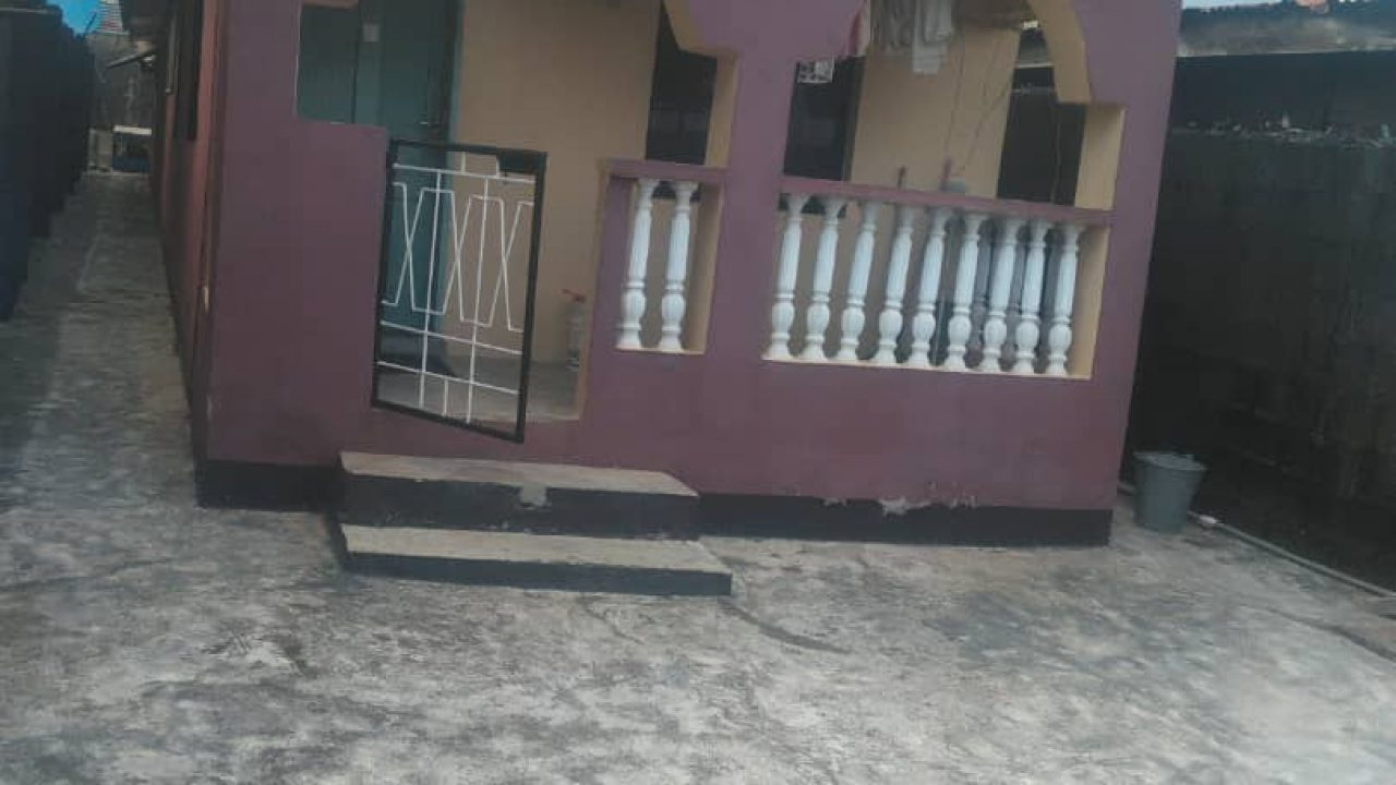 LOCATION-IKOTUN-HOUSE/FLAT FOR SALE AT IKOTUN LAGOS.