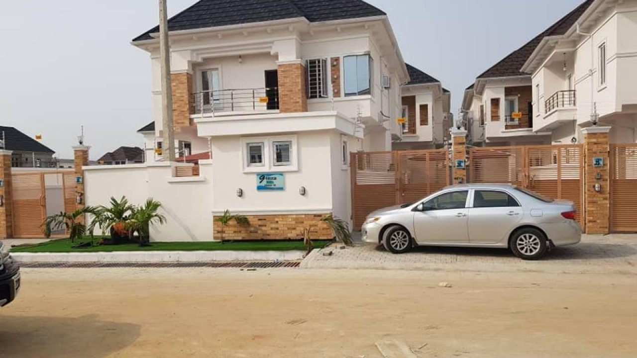 LOCATION-LEKKI-4 BEDROOM SEMI DETACHED HOUSE FOR SALE IN ORCHID LEKKI