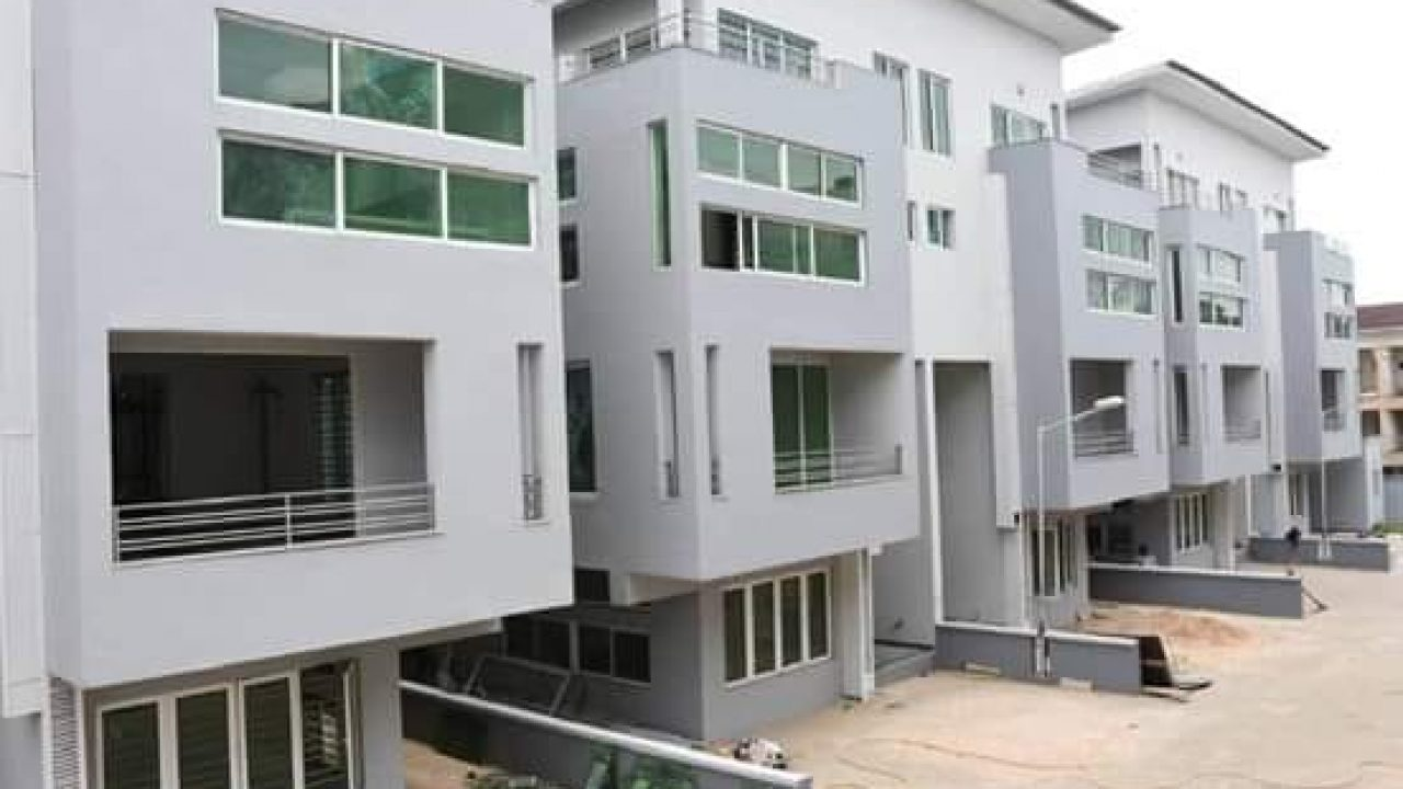 DETACHED HOUSE FOR SALE IN IKEJA,G.R.A.LAGOS.