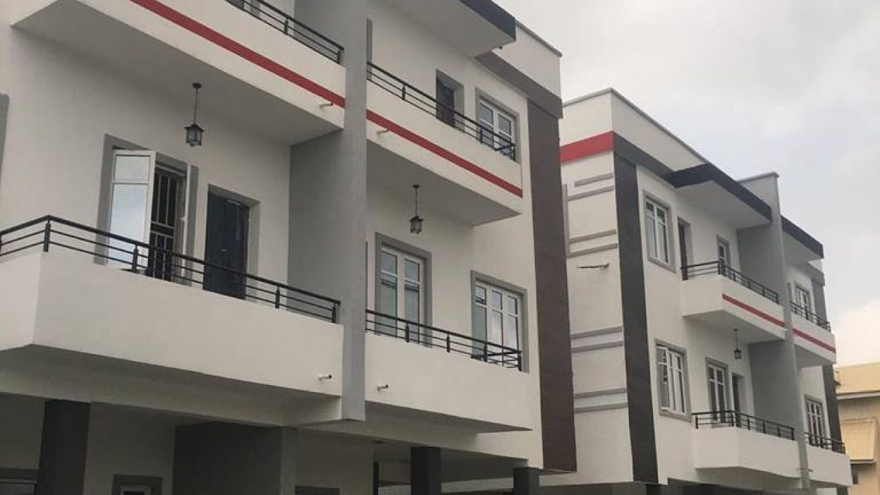 5BEDROOM SEMI DETACHED HOUSE FOR SALE IN VICTORIA ISLAND,LAGOS