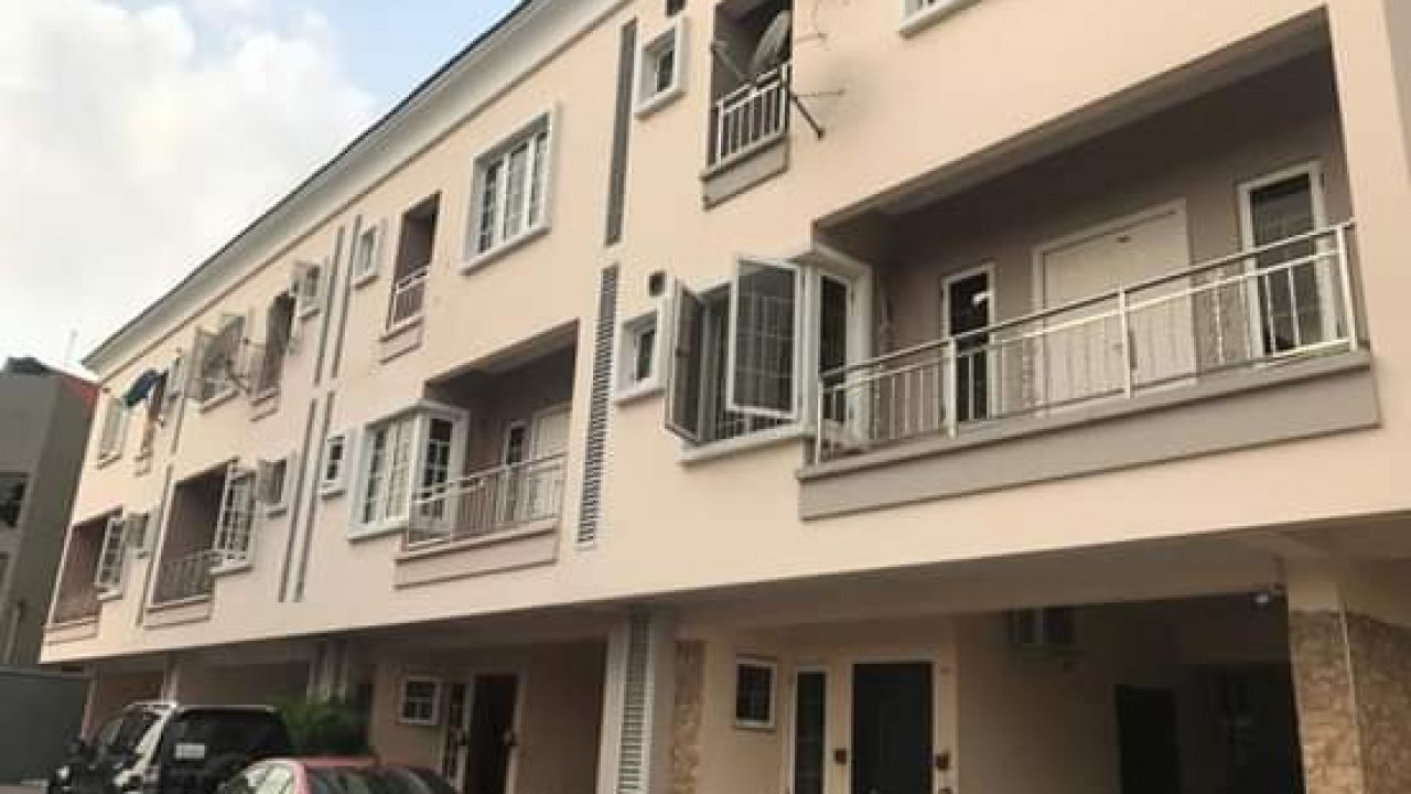 4BEDROOM TERRACE FOR SALE AT YABA,LAGOS