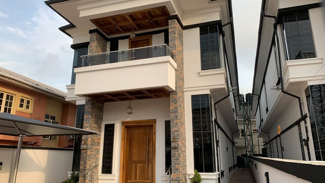 FLATS AND  DETACHED DUPLEX FOR SALE AT LEKKI PHASE1