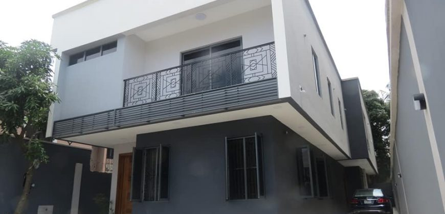 LEKKI PHASE 1 5BEDROOM HOUSE FOR SALE