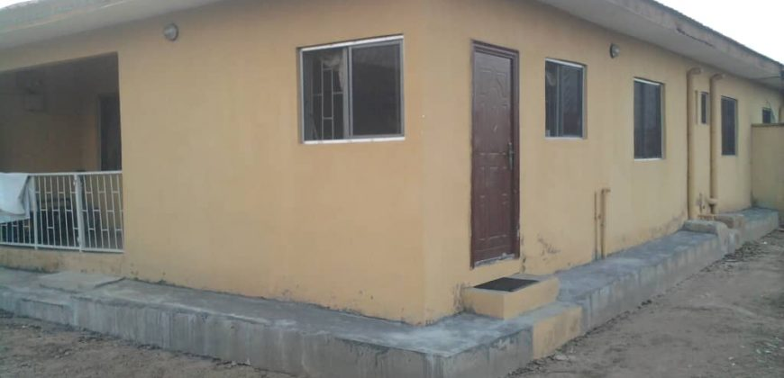 GREENLAND ESTATE LAGOS:3BEDROOM FLAT AT LAGOS IBADAN EXPRESSWAY LAGOS.