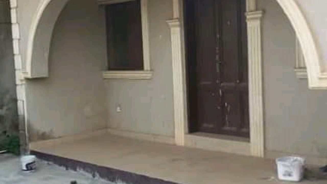 HOUSES & BUNGALOW FOR SALE AT CASSO AREA ALAGBADO,LAGOS