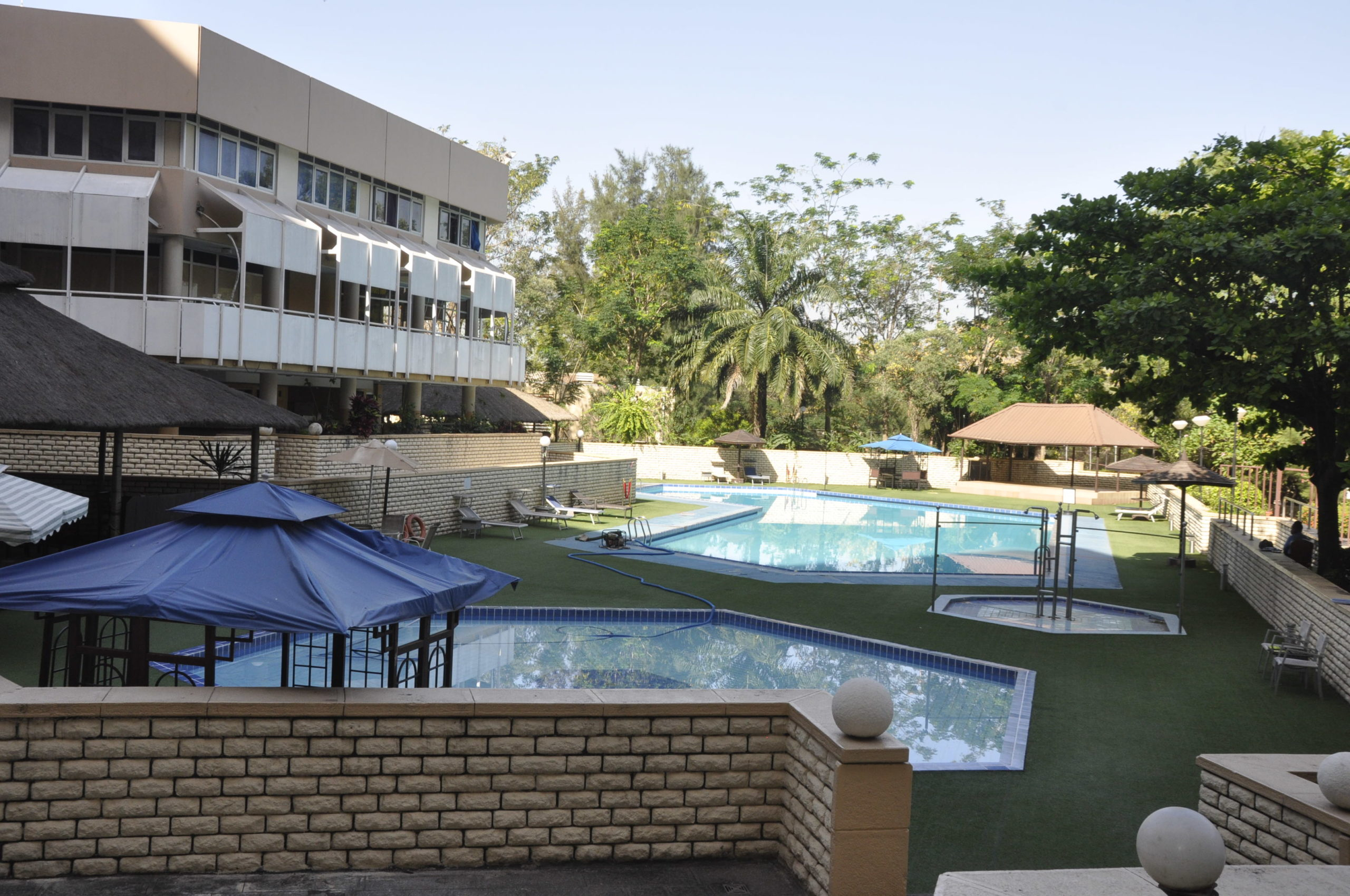 HOTEL FOR SALE IN ABUJA-580 Suites 4-Star Rated Highrise Hotel For Sale In Abuja.
