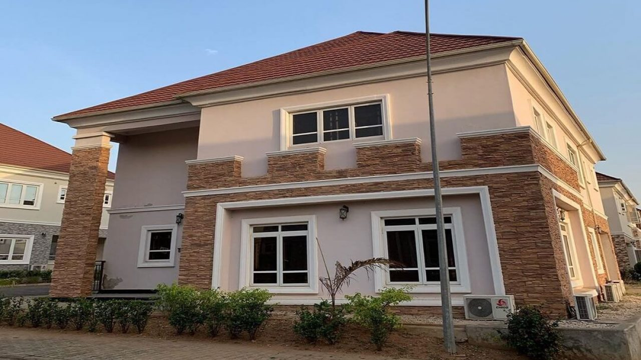6 BEDROOM DUPLEX FOR SALE IN MAITAMA ABUJA