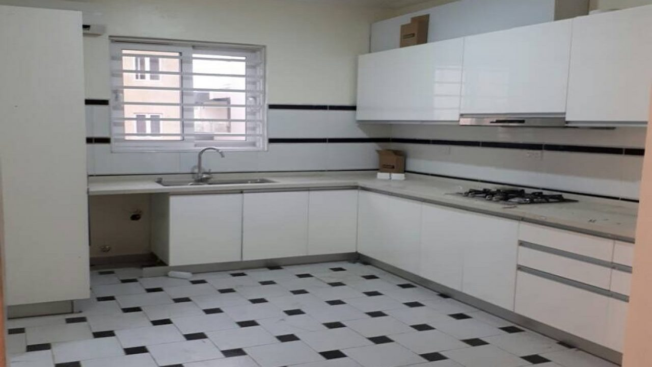 2bedroom flat in elegushi for rent