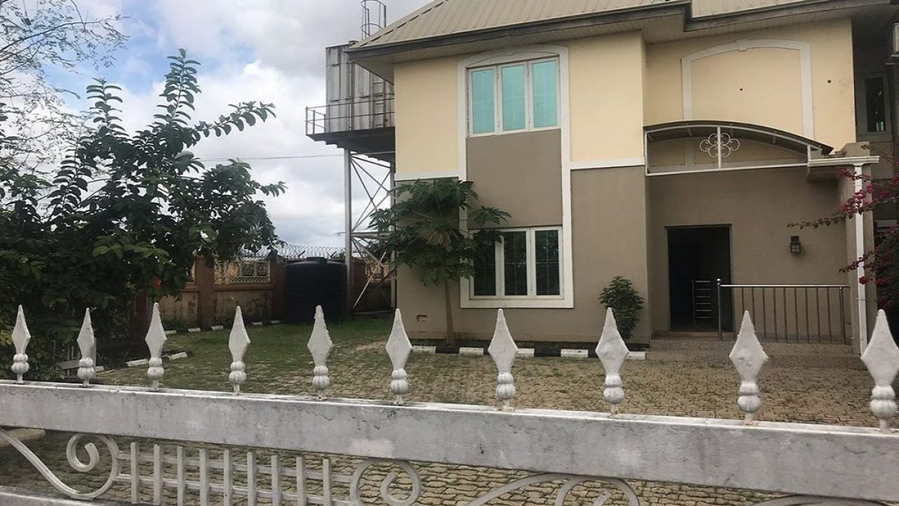 4bedroom semi detached duplex for sale in DURUMI ABUJA