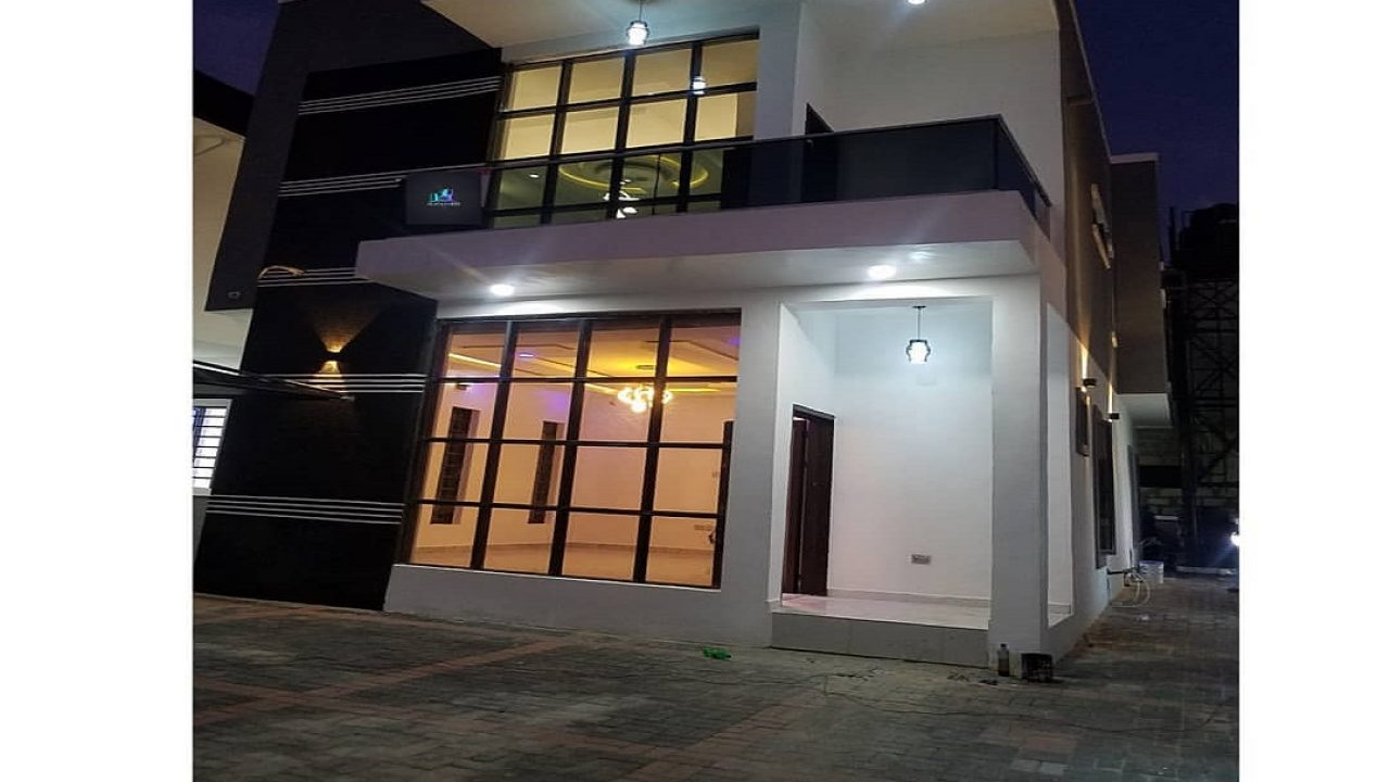 Hot four  bedroom detached duplex in ikota lekki for sale