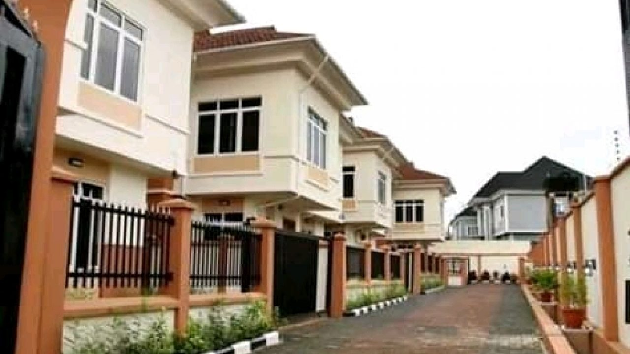New 5 Bedroom fully detached duplex for sale in Magodo lagos
