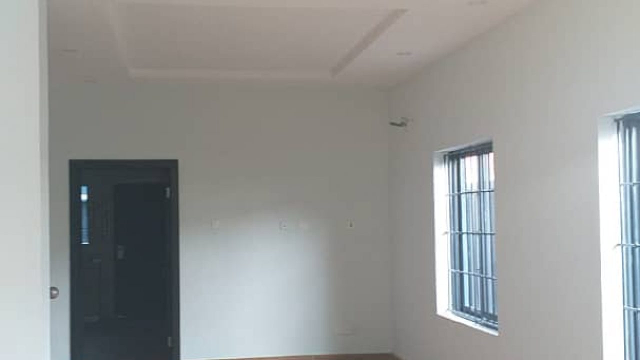 HOUSE/ DUPLEX IN IKOTA FOR SALE IN IKOTA