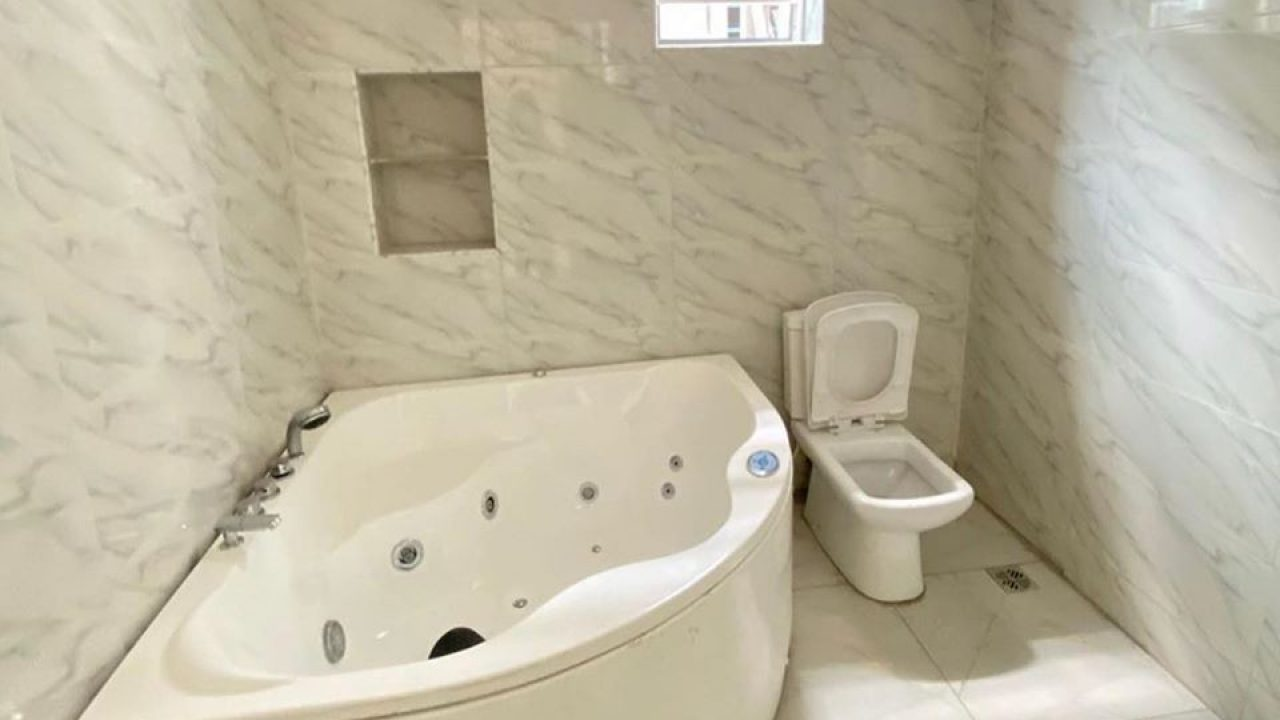 BEDROOM DUPLEX FOR SALE IN IKATE LEKKI LAGOS NIGERIA