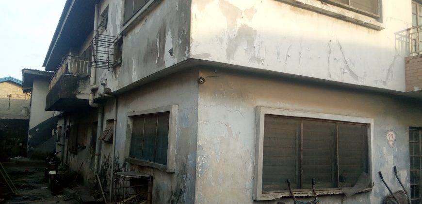 FOR SALE: 4 UNITS OF 3 BEDROOM FLATS IN SURULERE LAGOS