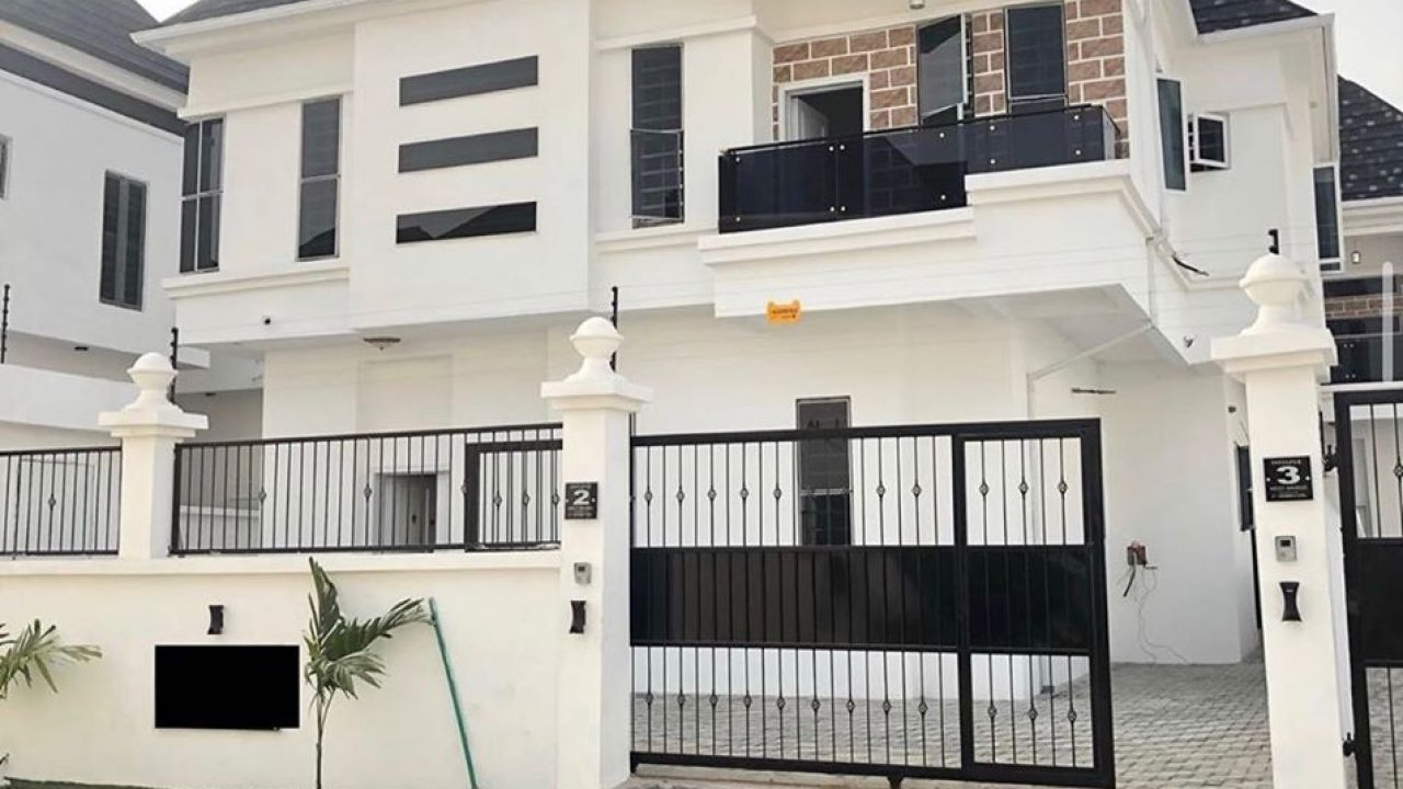 DETACHED DUPLEX/ HOUSE IN LEKKI FOR SALE