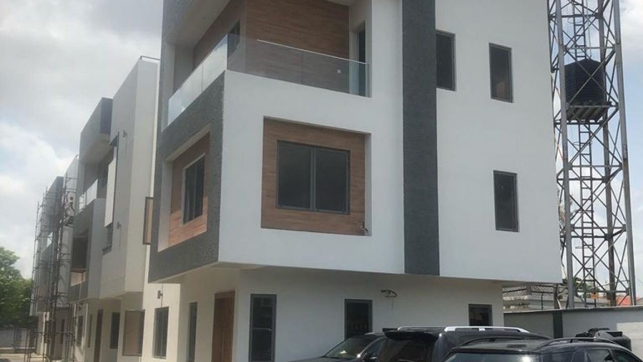 DUPLEX FOR SALE IN LEKKI PHASE 1(5 BEDROOM DUPLEX)