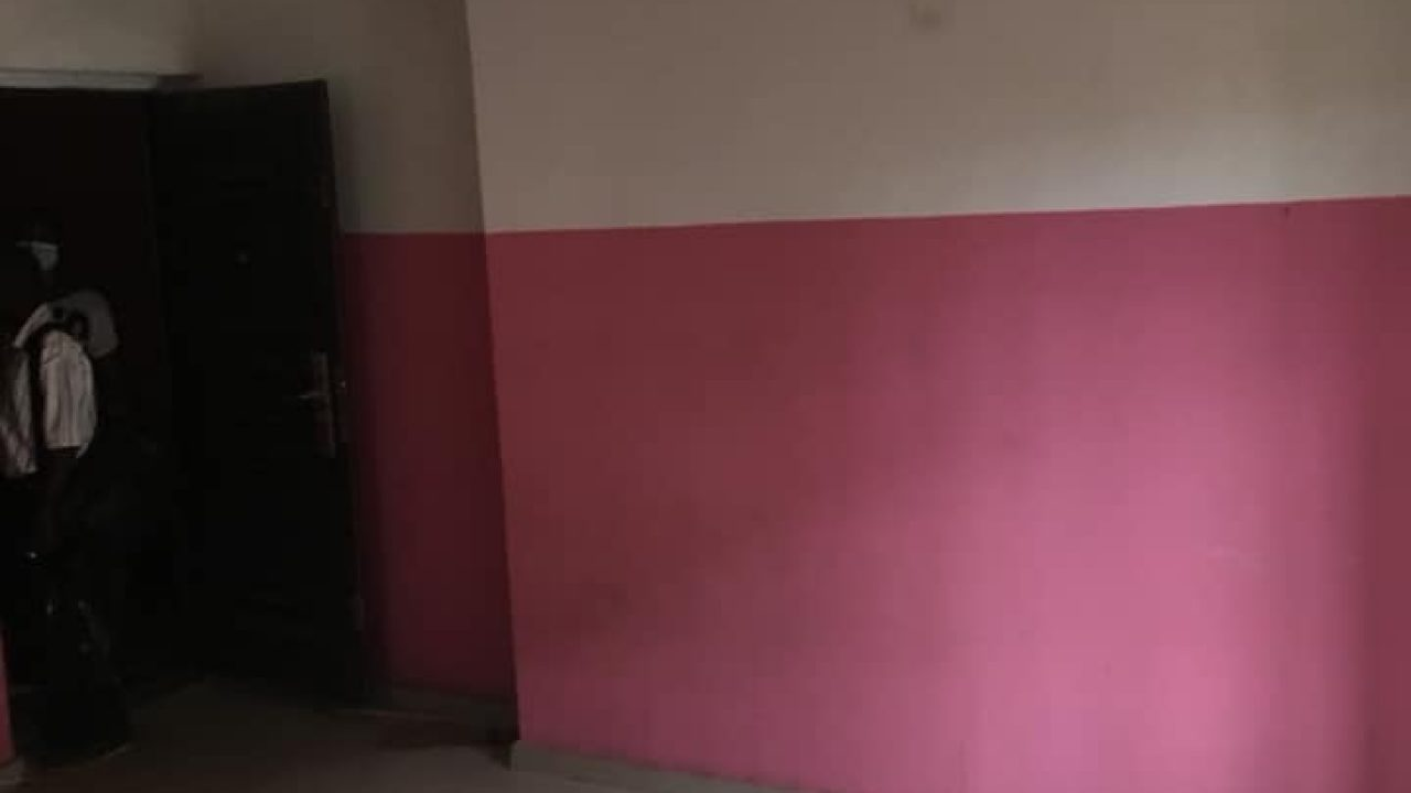 self contain for rent at Alapere Lagos