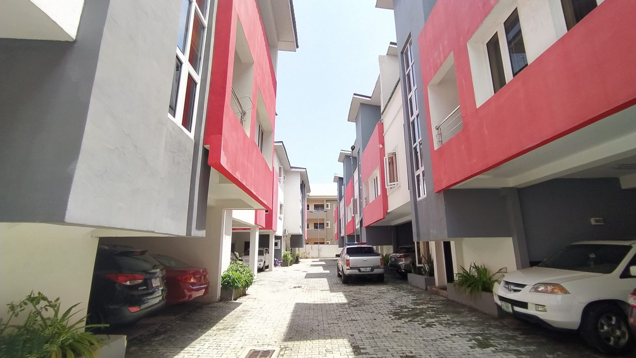 1,2,3,4 bedroom flat for rent in ikate