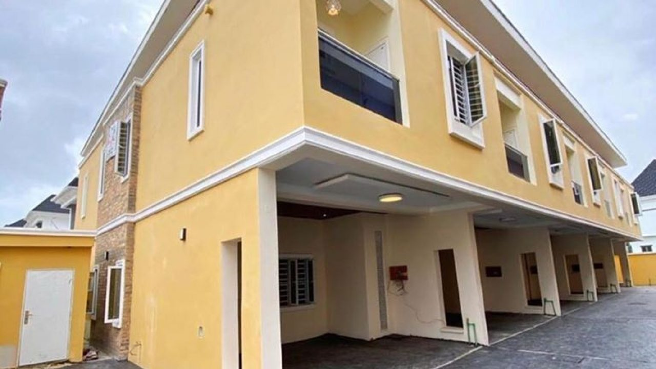 DUPLEX FOR SALE IN LEKKI,LAGOS