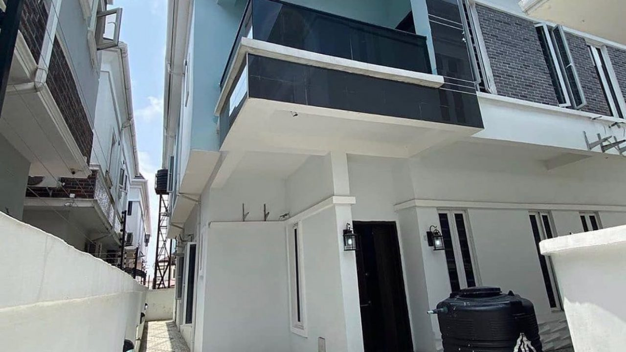 Duplex for sale in Chevron Lekki Lagos