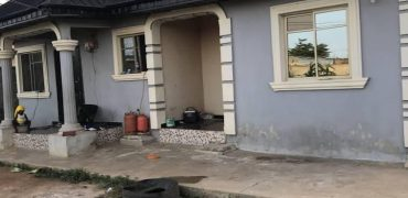 Bungalow for sale in LAGOS (ikorodu)