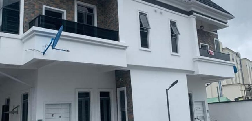 4 bedroom semi detatched duplex in ikota for sale