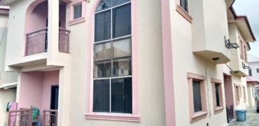 3 bedroom flat for rent in ikate elegushi,lagos