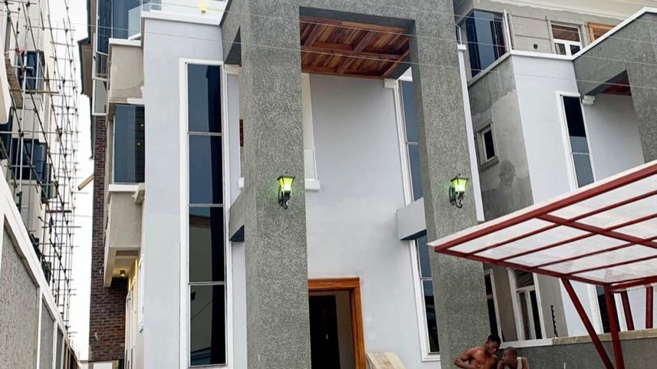 5 bedroom duplex for sale in Ajah