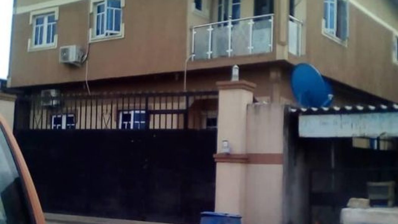 3 bedroom flat at shogunle oshodi for sale