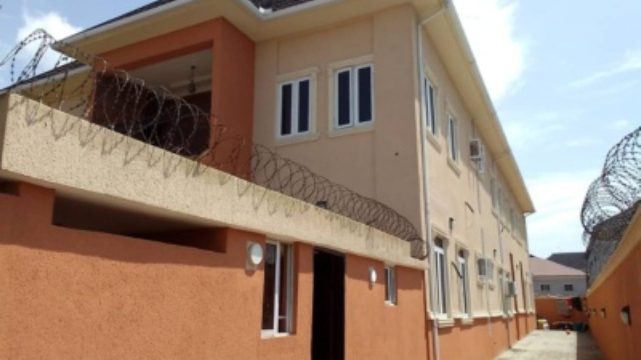3 BEDROOM FLAT FOR RENT IN AJAH