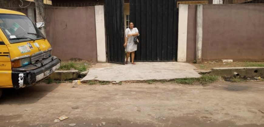Urgent Sale At Ogba. A 3 bedroom bungalow on 200sqm of land fenced with gate off Thomas Salako street with c of o @ N12m net