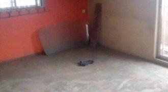 A 2 bedroom flat available for rent in surulere Lagos