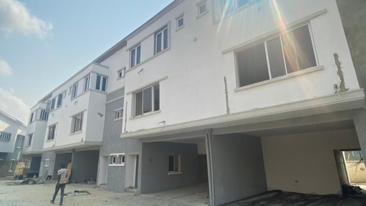 4 bedroom terrace for sale in lekki