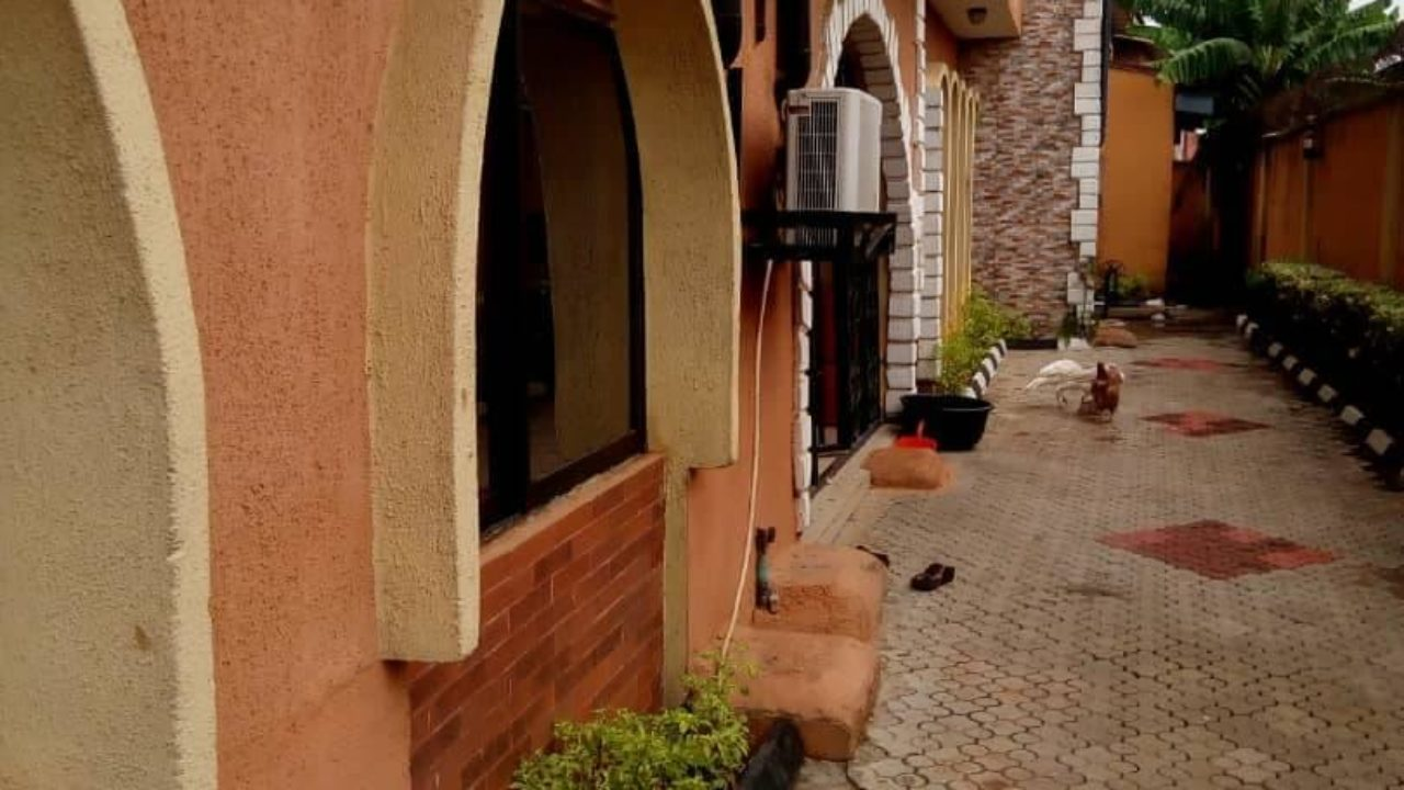 A very decent flat for rent in ikotun Lagos